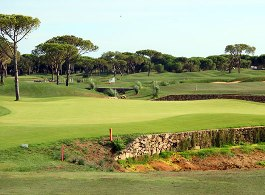 The greens at Lomas de Sancti Petri Golf are cunningly bunkered